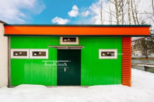 Зеленый продуктовый магазин